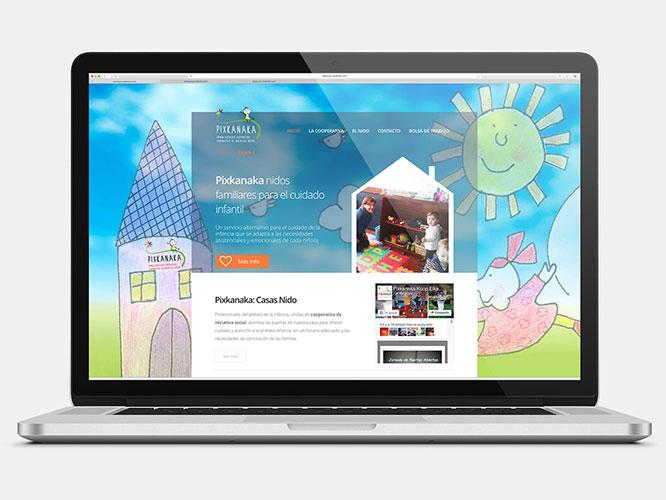 Desarrollo web para Pixkanaka. SEO, alojamiento, Redes Sociales.